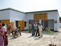 情報センターも併設され村人が集まる場所に