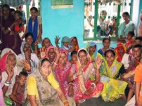 女性グループの活動