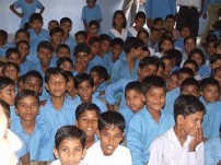 小学校の生徒たち(チタウリ村)