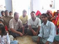 青年グループメンバー(スラジプラ村)