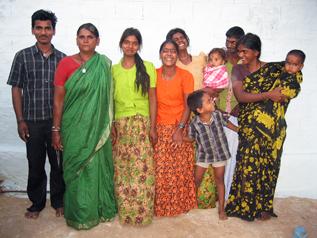 ジェイラクシュミちゃんとその家族(インド)