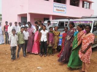 総勢33人で「児童労働のない村視察ツアー」に出発!