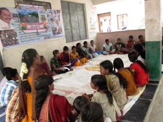 子どもグループのミーティング風景