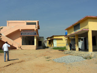 マッデラバンダ村の一番大きな公立学校