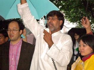 渋谷・表参道で実施された児童労働反対を呼びかけるマーチで声をあげるカイラシュさん