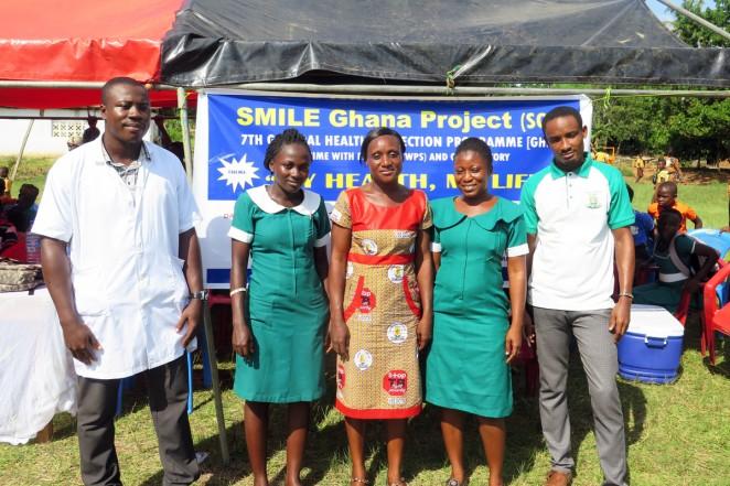 健康診断と健康ワークショップを実施した看護師と検査技師たち