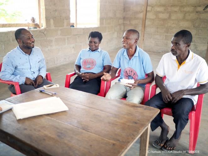 左からパートナー団体CRADAのリーダー ナナさん、CCPCのコンフォート・コビーナさん、オスマン・オポクさん、クワク・ボアチさん