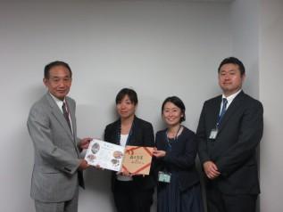 新井社長(当時)とACE代表、事務局長、ガーナプロジェクトマネージャー