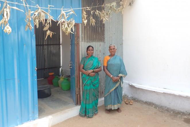 インド ブリッジスクール給食を作ってくれる女性たち