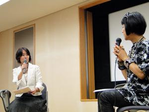 生駒さんと対談するACE事務局長の白木