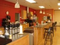 オフィスにはコーヒーなどを飲んだり休憩できるこのようなスペースが