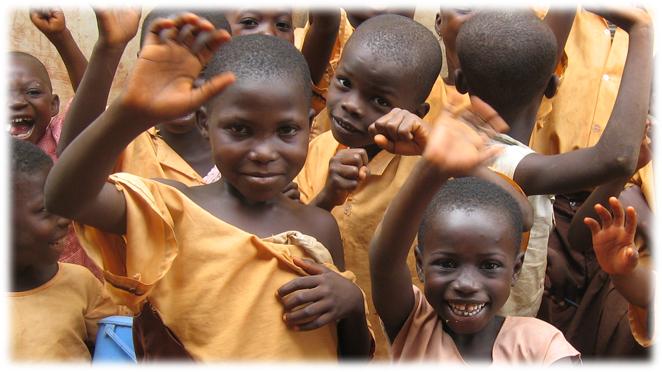 ガーナのカカオ生産地域の子どもたち