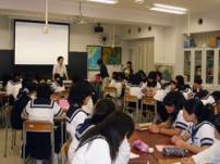 各学校で児童労働についての講演やワークショップを実施