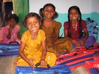 インドのコットン生産地域の子どもたち
