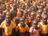 33,000円で1人の子どもが学校へ通えるように