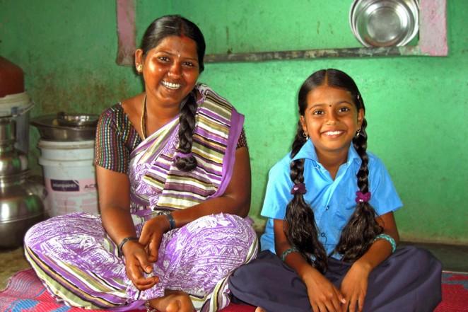 シャンティちゃん(右)とお母さん(左)