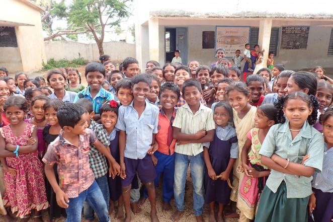 インドの村の子どもたち
