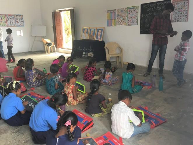 インド ブリッジスクール 授業の様子